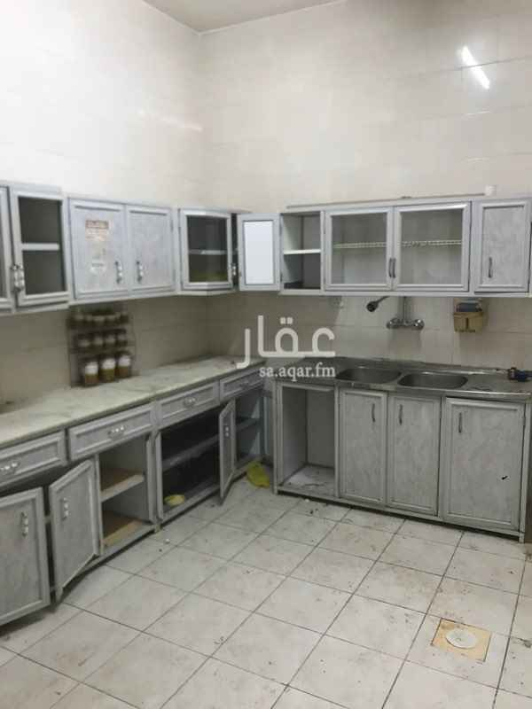 شقة للإيجار في شارع ابن سينا ، حي المروج ، الرياض ، الرياض