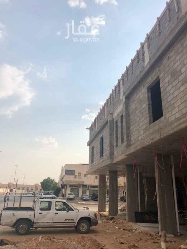 عمارة للبيع في شارع الشيخ خليفة بن حمد ال ثاني ، حي المعيزيلة ، الرياض