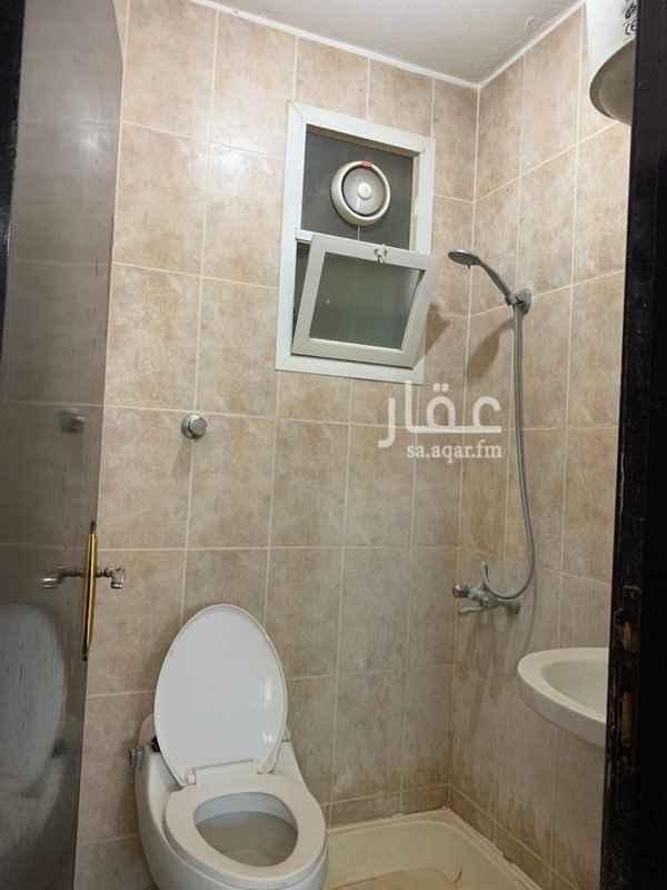 شقة للإيجار في شارع ابن الغزال ، حي الضباط ، الرياض ، الرياض