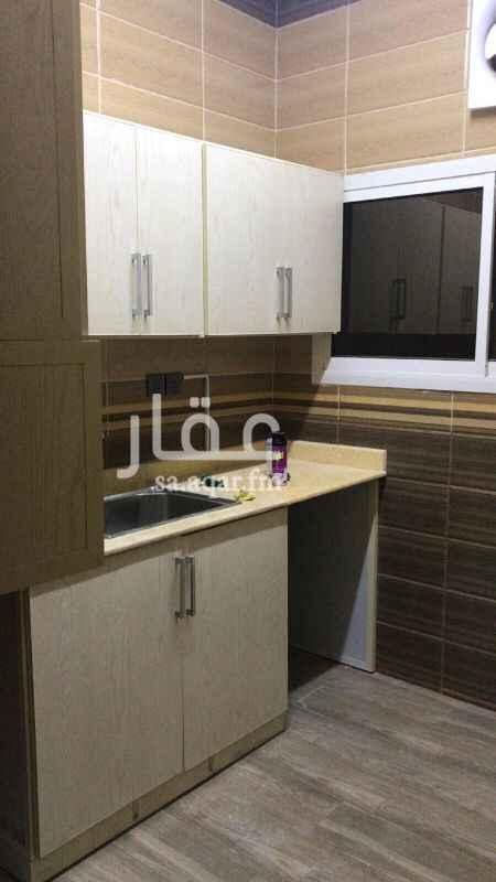 شقة للإيجار في شارع الحصين بن حمام المري ، حي الربوة ، الرياض