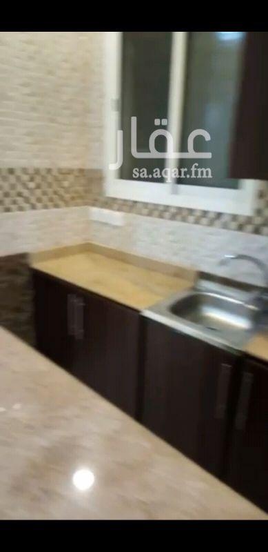 دور للإيجار في شارع ابن العويس ، حي الملز ، الرياض