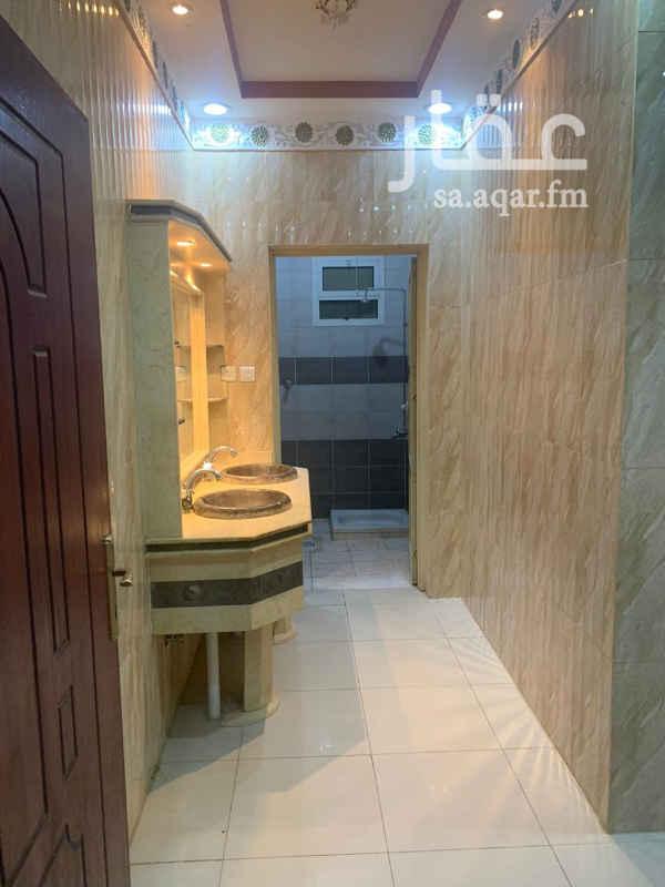 بيت للإيجار في شارع الندوة ، حي النظيم ، الرياض