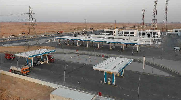 محل للإيجار في طريق الجنادرية ، الرياض ، الرياض