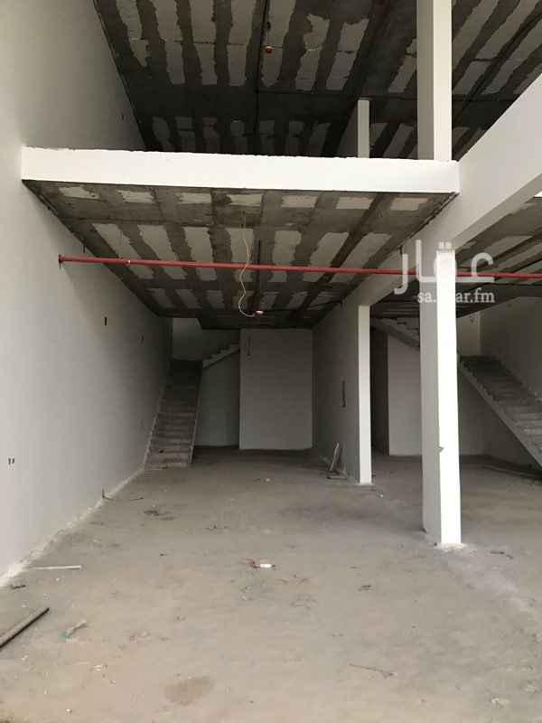 محل للإيجار في شارع نجم الدين الأيوبي الفرعي ، حي طويق ، الرياض