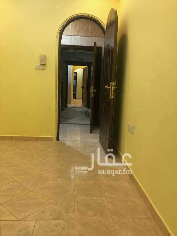 شقة للبيع في شارع طه احمد ، حي البوادي ، جدة