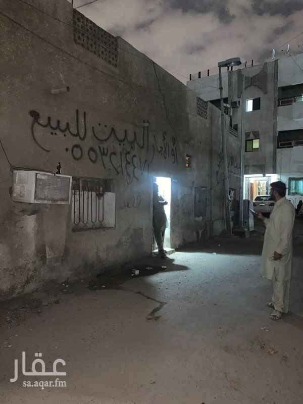 بيت للبيع في شارع جبل القنوات ، حي العزيزية ، جدة ، جدة