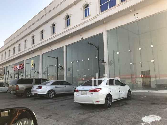 محل للإيجار في شارع علي البجادي ، الرياض