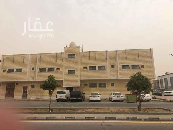 عمارة للإيجار في شارع الامام مالك بن انس ، حي النزهة ، الخرج