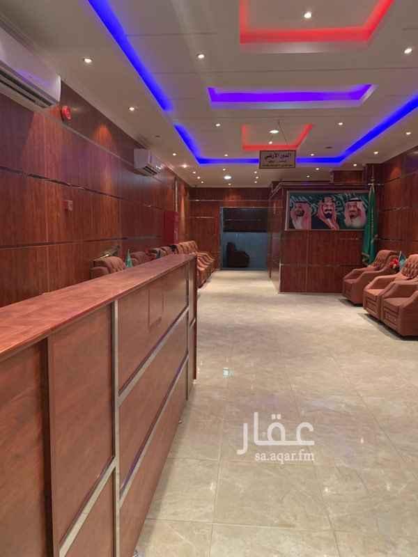 عمارة للإيجار في طريق ديراب الفرعي ، حي الشفا ، الرياض