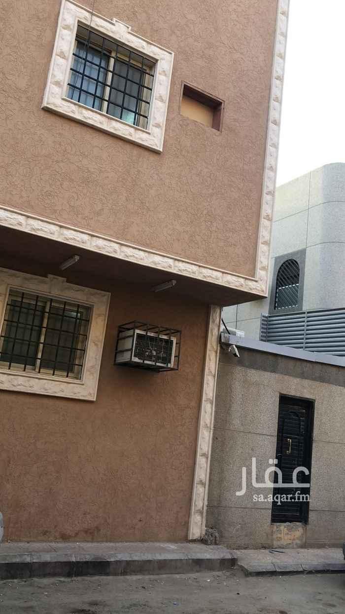 عمارة للبيع في شارع ابي حبيب الانصاري ، حي عتيقة ، الرياض ، الرياض