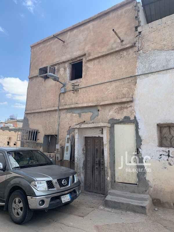 بيت للبيع في شارع الحرف الشمالي ، حي العود ، الرياض ، الرياض