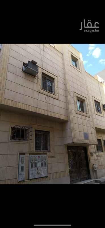 عمارة للبيع في شارع عبدالله الخرجي ، حي منفوحة الجديدة ، الرياض ، الرياض