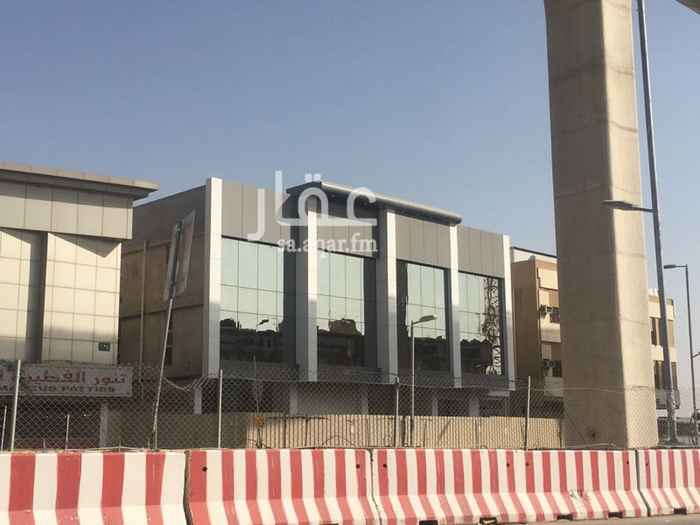 عمارة للبيع في طريق صلاح الدين الأيوبي ، حي الصفا ، الرياض
