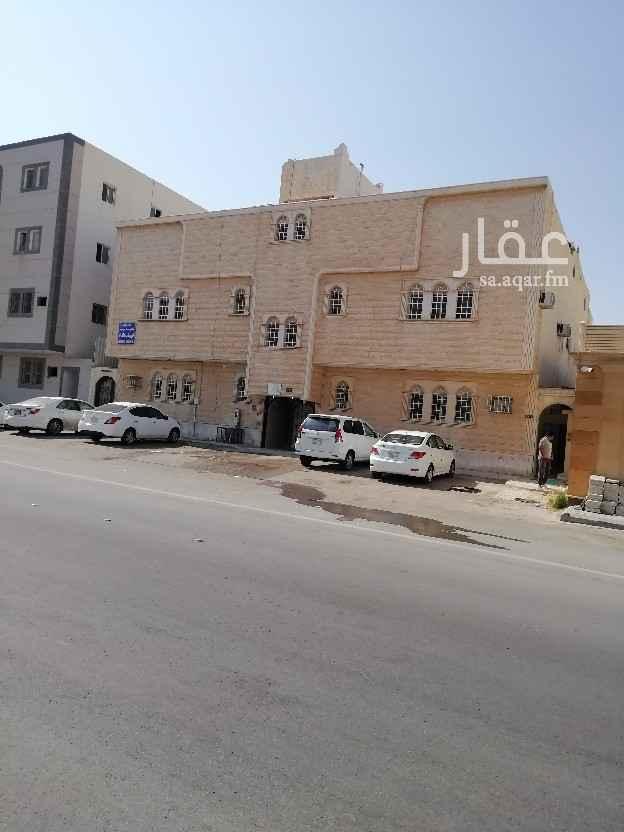 شقة للإيجار في شارع الشيخ عبدالوهاب بن عبدالله ، حي الازدهار ، الرياض