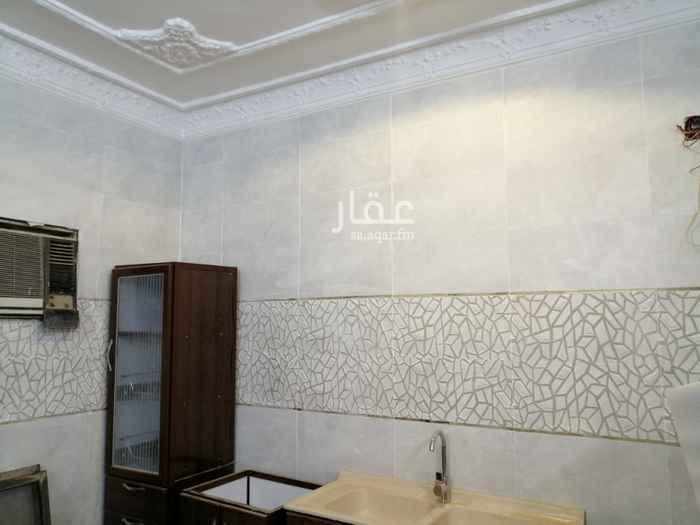 دور للإيجار في حي ، شارع ابي الحسين المدانئي ، حي شبرا ، الرياض ، الرياض