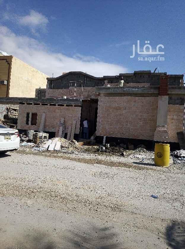 بيت للبيع في شارع الصفيه ، حي طويق ، الرياض