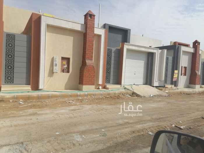 بيت للبيع في شارع احمد بن الخطاب ، حي طويق ، الرياض