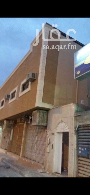 عمارة للبيع في شارع الامام ابي حنيفة ، حي العريجاء الوسطى ، الرياض ، الرياض
