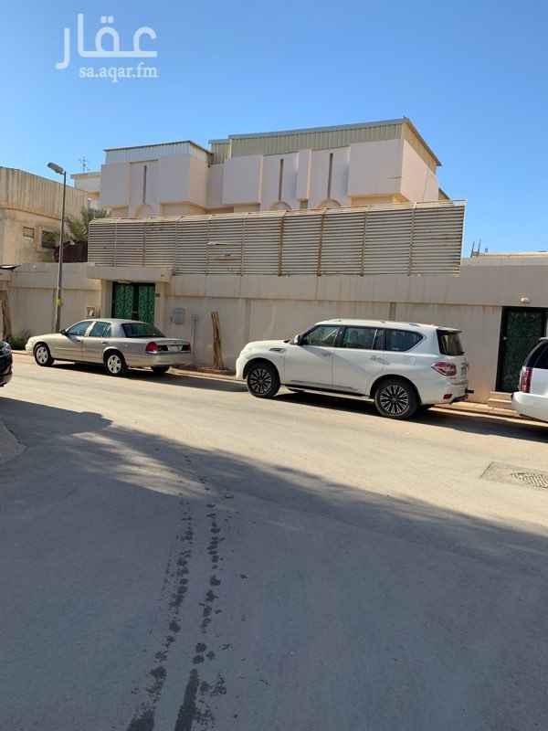 فيلا للبيع في شارع الدحض ، حي الملك فهد ، الرياض