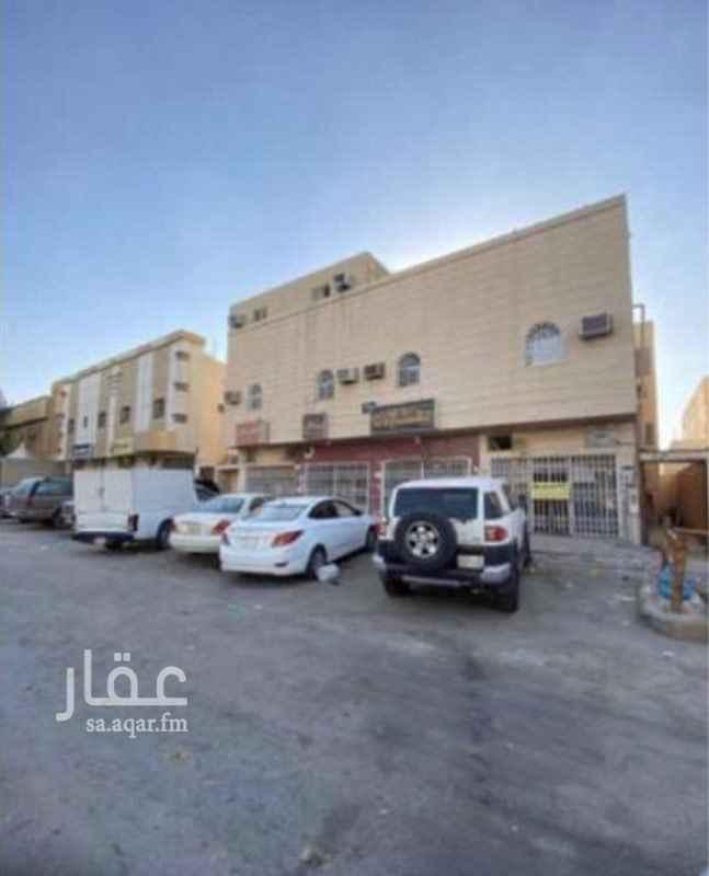 عمارة للبيع في شارع الذهبي ، حي طويق ، الرياض