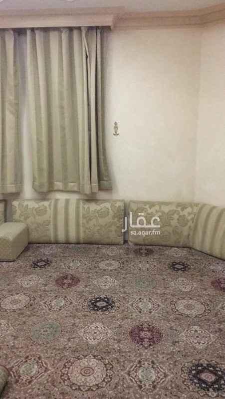 فيلا للبيع في شارع قدامة بن مضعون ، حي العريجاء الغربية ، الرياض ، الرياض