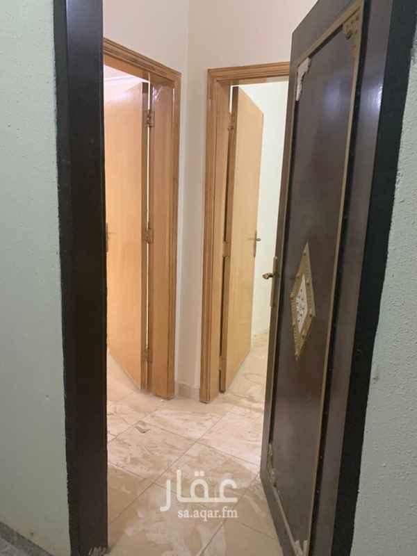شقة للإيجار في شارع محمد بن القزاز ، حي الجنادرية ، الرياض ، الرياض