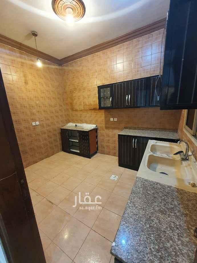 شقة للبيع في شارع الفضل بن عبدالرحمن ، حي المروة ، جدة ، جدة