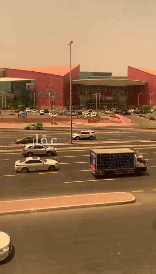 عمارة للبيع في شارع الأمير ماجد ، حي العزيزية ، جدة ، جدة