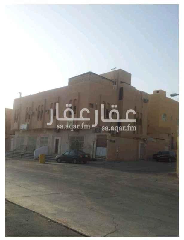 عمارة للبيع في شارع محمد ابو نهيه ، حي السويدي ، الرياض