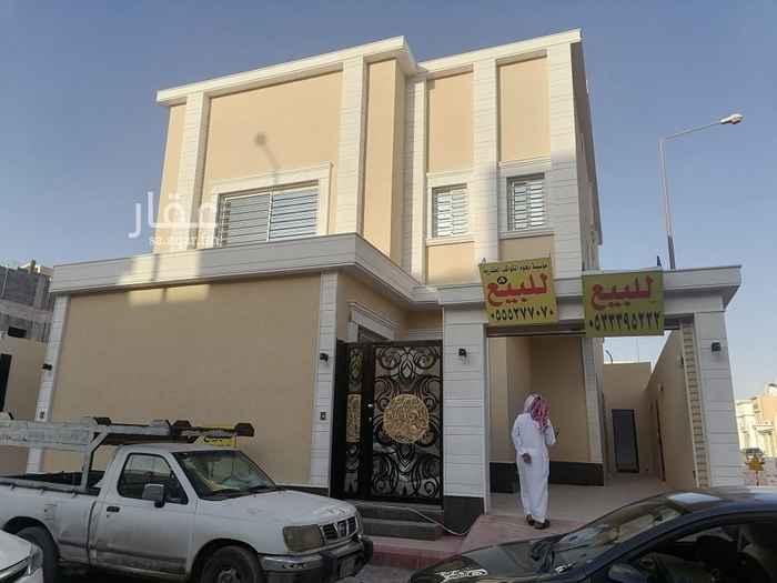 فيلا للبيع في شارع ابي الحسن بن قانع ، حي الرمال ، الرياض