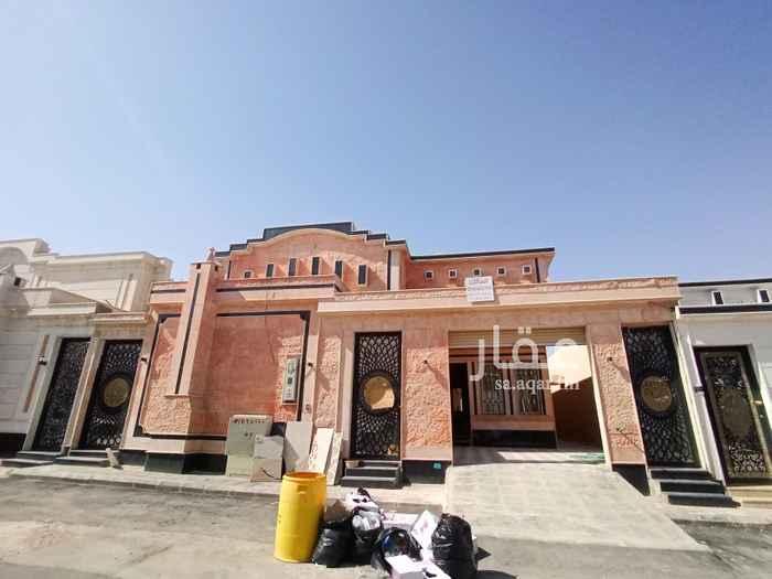بيت للبيع في شارع ابن عثيمين ، حي طويق ، الرياض