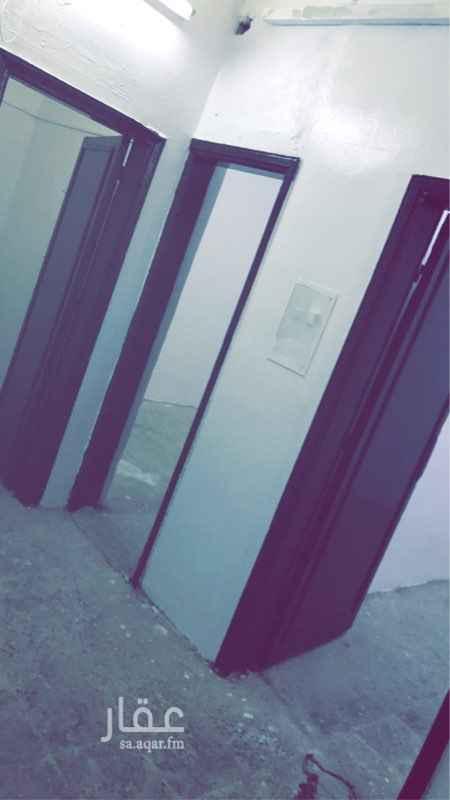 بيت للإيجار في شارع الفطيمة ، حي الخالدية ، الرياض ، الرياض