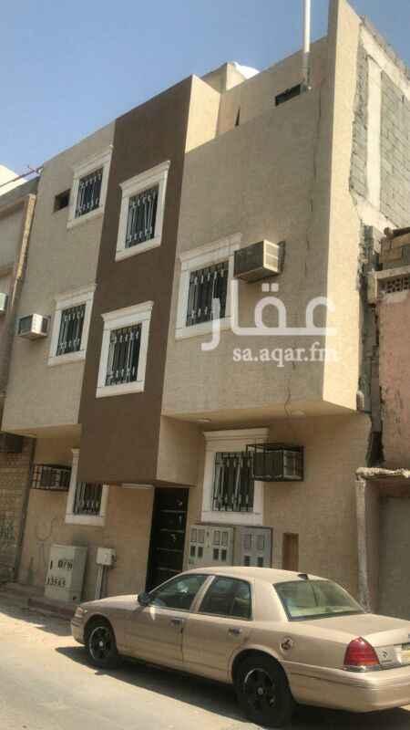 عمارة للبيع في حي منفوحة ، الرياض