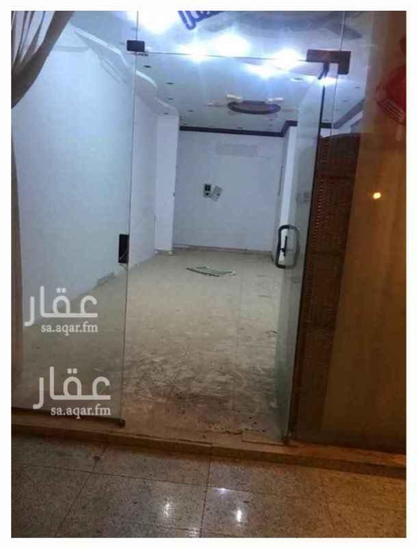 محل للإيجار في شارع الشيخ عبدالله العنقري ، حي صلاح الدين ، الرياض ، الرياض