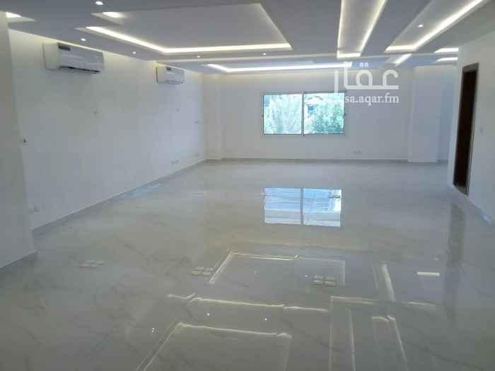 مكتب تجاري للإيجار في شارع ابن حزم ، الرياض