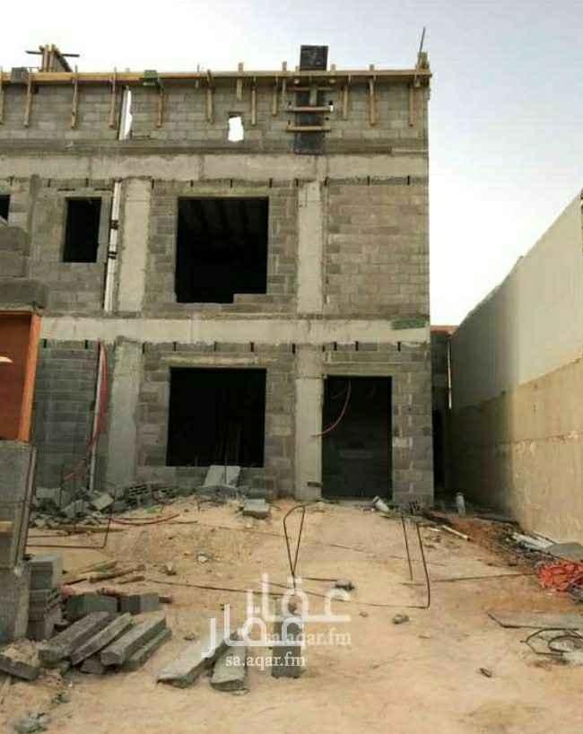 فيلا للبيع في شارع قيس بن الحصين ، حي المصيف ، الرياض