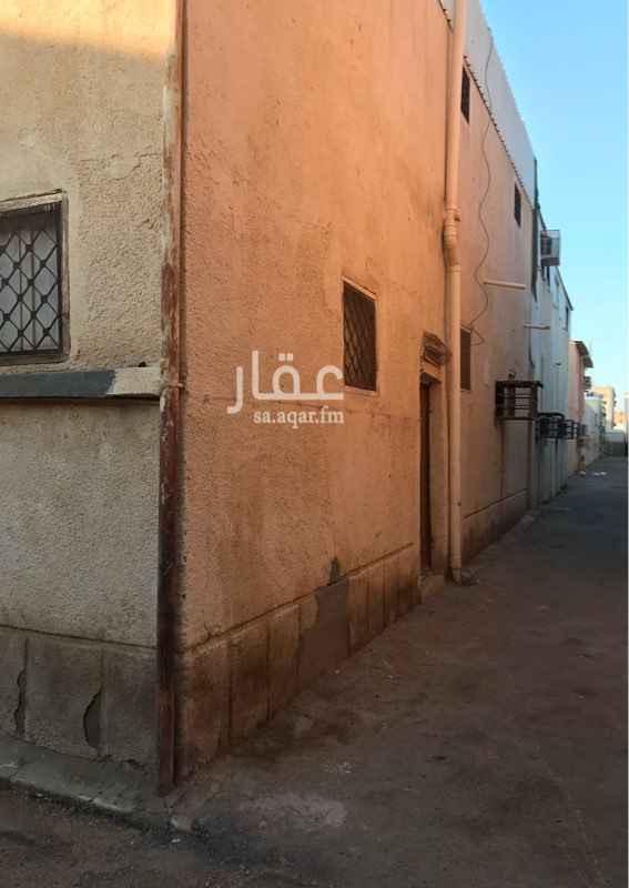 بيت للبيع في حي الفيصلية الجنوبية ، تبوك ، تبوك