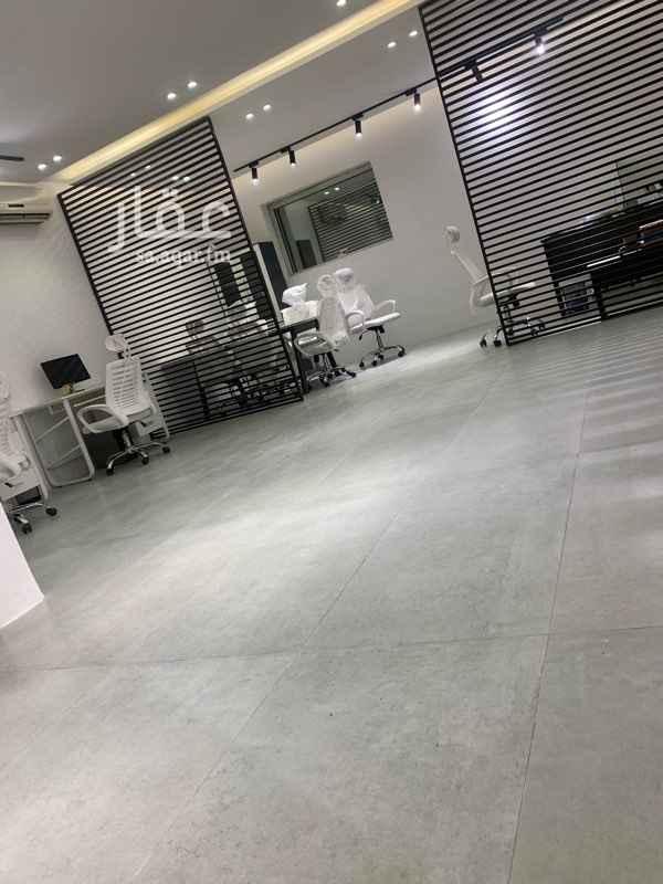 مكتب تجاري للإيجار في شارع رقم 397 ، حي الملقا ، الرياض ، الرياض