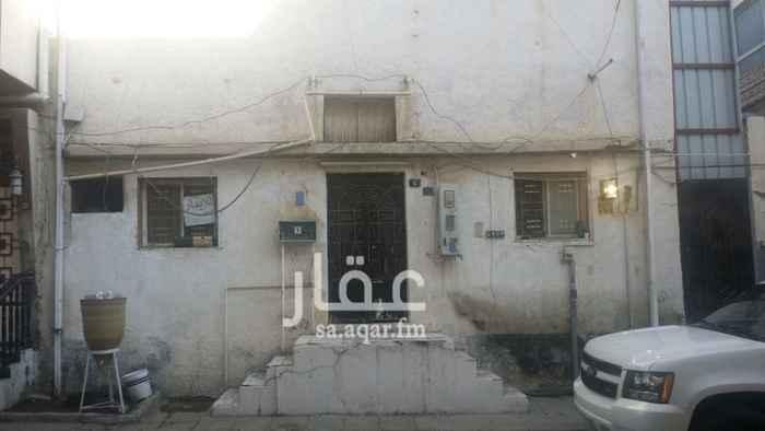 بيت للإيجار في حي قروى ، الطائف