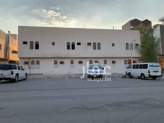 عمارة للبيع في شارع وادي العمارية ، حي حطين ، الرياض