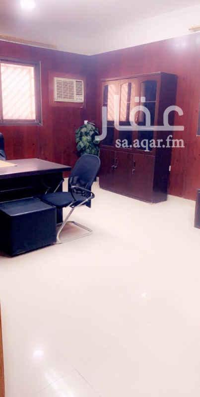 عمارة للإيجار في طريق الامام سعود بن عبدالعزيز بن محمد الفرعي ، حي النزهة ، الرياض