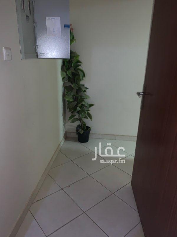 شقة للإيجار في طريق أبو بكر الصديق ، حي الصفراء ، بريدة ، بريدة
