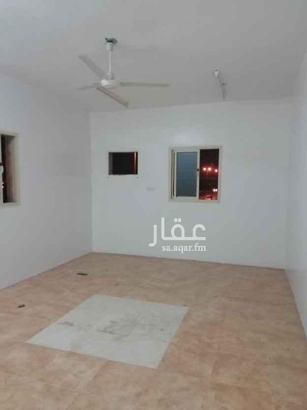 شقة للإيجار في شارع سلمان الفارسي ، حي المحمدية ، حفر الباطن