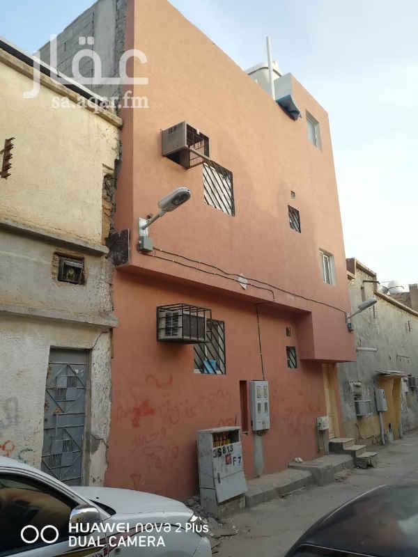 عمارة للبيع في شارع الجوز ، حي منفوحة الجديدة ، الرياض
