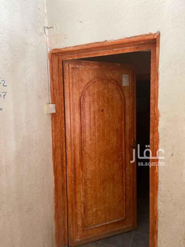 عمارة للإيجار في شارع عبدالسلام الزواوي ، حي أم الحمام الشرقي ، الرياض ، الرياض