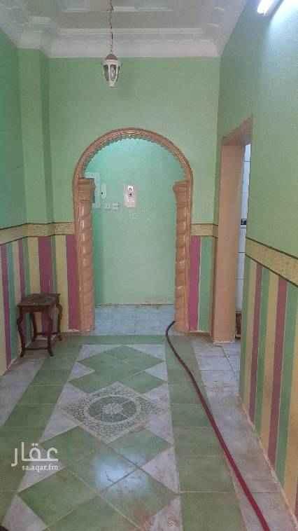 بيت للإيجار في حي ابو السداد ، الدرب