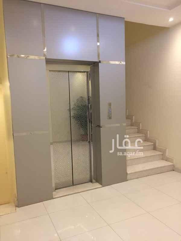 مكتب تجاري للإيجار في الطريق الدائري الشمالي الفرعي ، حي الوادي ، الرياض