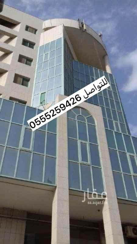 مكتب تجاري للإيجار في طريق الملك فهد الفرعي ، حي النموذجية ، الرياض
