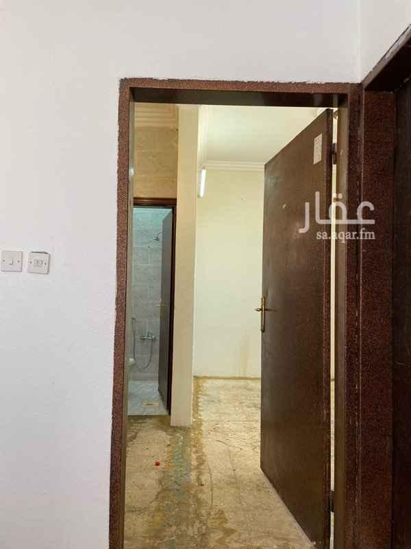 شقة للإيجار في شارع ابي الثناء المقرئ ، حي العريجاء الوسطى ، الرياض ، الرياض