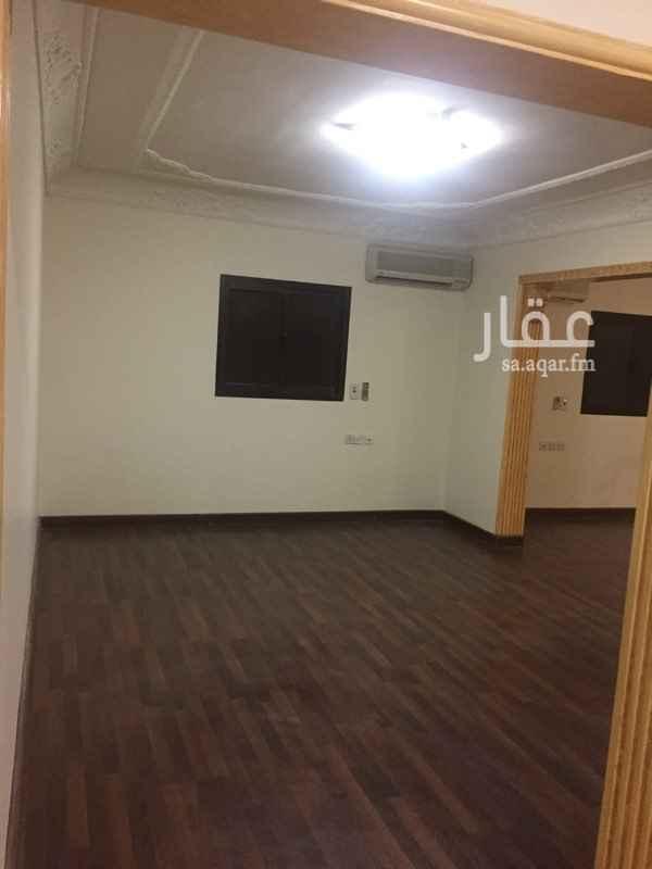 مكتب تجاري للإيجار في شارع الاميراحمد بن عبدالعزيز, الورود, الرياض